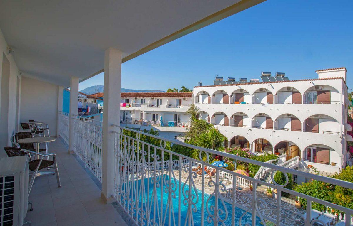 gouvia hotel suite balcony 02