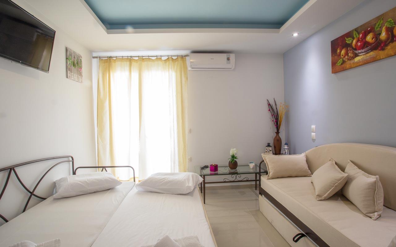 gouvia hotel suite sofabed 02
