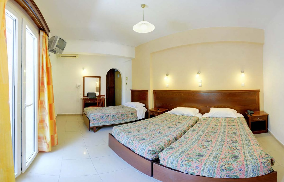gouvia hotel triple room 01