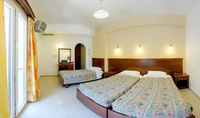 gouvia hotel triple room 01